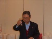 乾杯の音頭は、前川朝霧ジャンボリーゴルフ倶楽部理事長